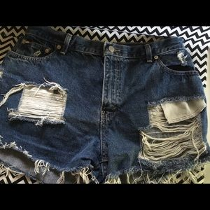Tommy Hilfiger Cut Off Jean Shorts Ripped Style